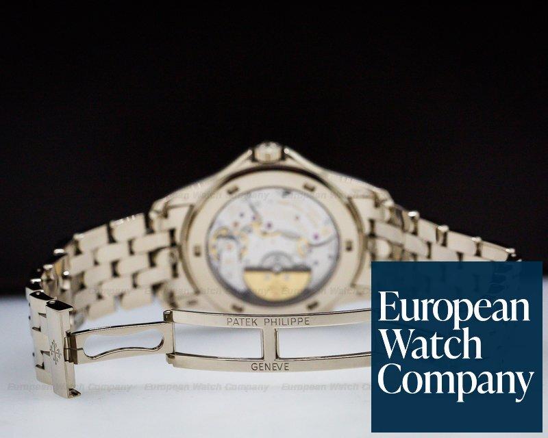 Patek Philippe 5130/1G-011 World Time 18K White Gold / 18K White Gold Bracelet