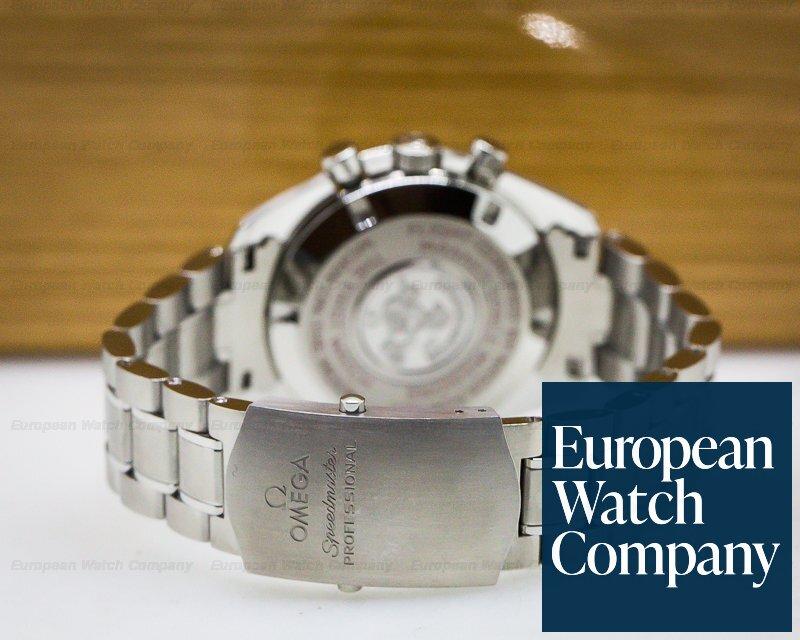 Omega 311.30.42.30.01.004 Speedmaster Professional Chronograph TINTIN Racing Dial