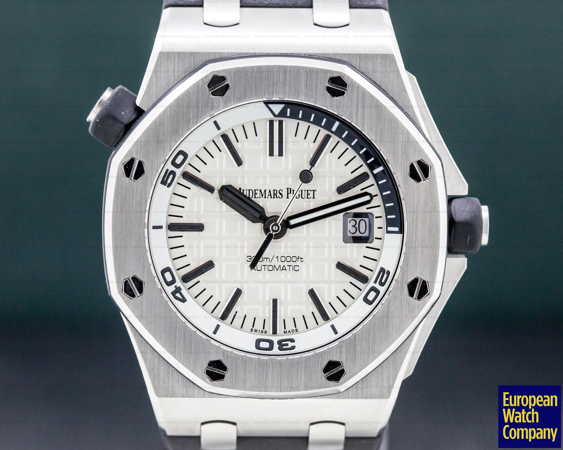 Audemars Piguet 15710ST.OO.A002CA.02 Royal Oak Offshore Diver White Dial