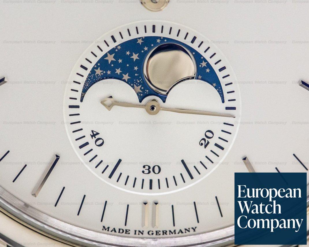 A. Lange and Sohne 384.026 Saxonia Moon Phase Automatik 18K White Gold / Silver Dial