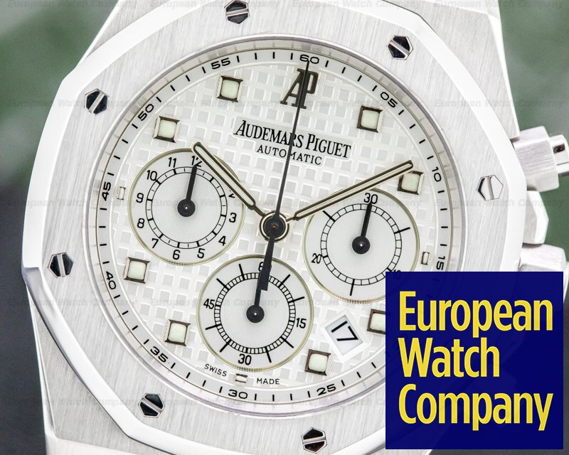 Audemars Piguet 26022BC.OO.D002CR.01 Royal Oak Chronograph 18K White Gold / Alligator
