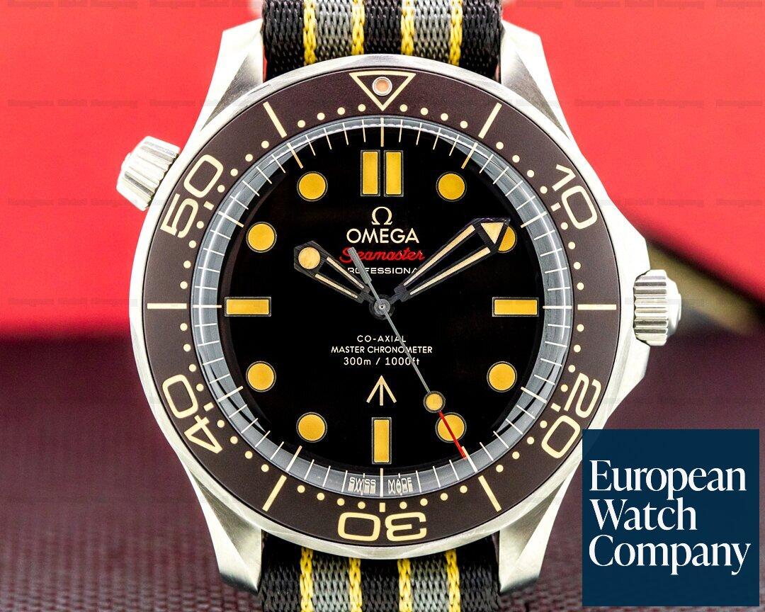 Omega 210.92.42.20.01.001 Seamaster 300M 007 Co-Axial Master Chronometer Titanium 42MM