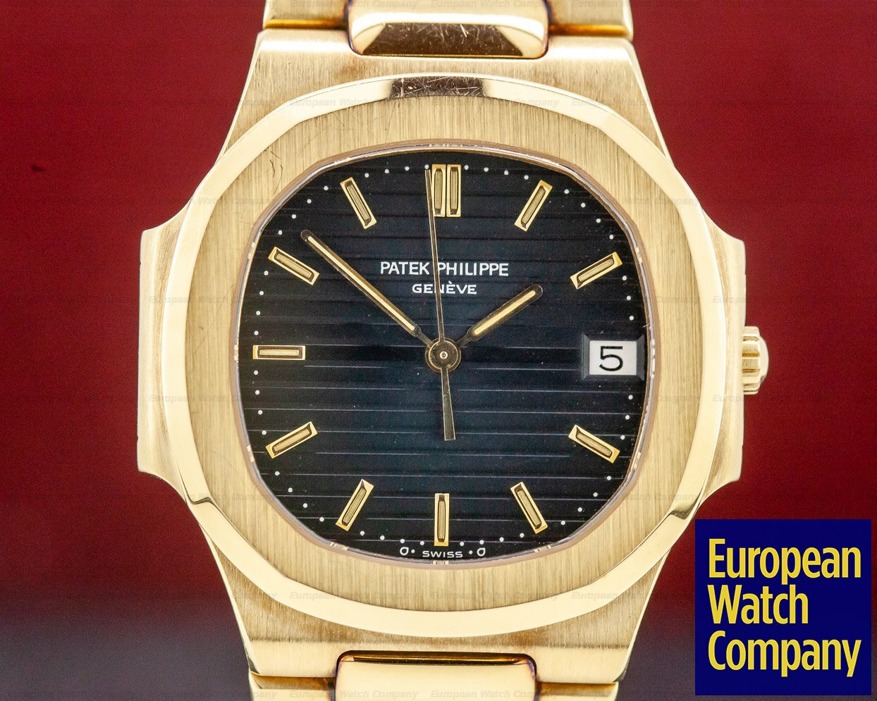 Patek Philippe 3900/001 Nautilus Mid Size 3900 Quartz Yellow Gold Blue Dial UNPOLISHED