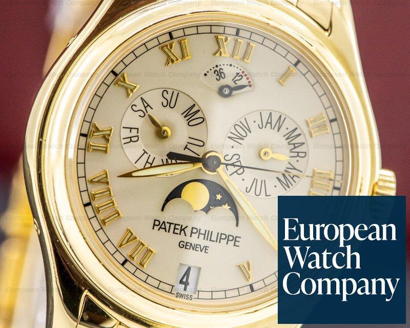 Patek Philippe 5036/1J-001 Annual Calendar 5036/1J Moonphase 18K Yellow Gold / Bracelet FULL SET