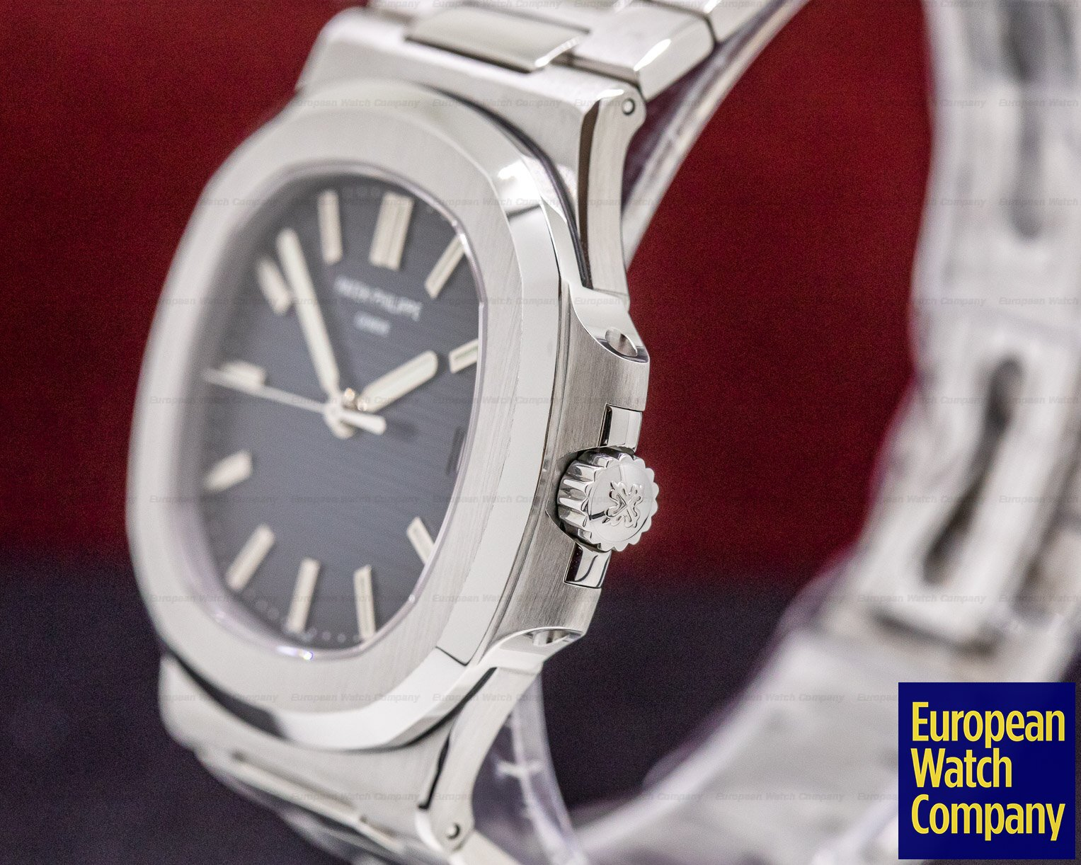 Patek Philippe 5711/1A-001 Jumbo Nautilus Blue Dial SS FULL SET VERY EARLY DIAL
