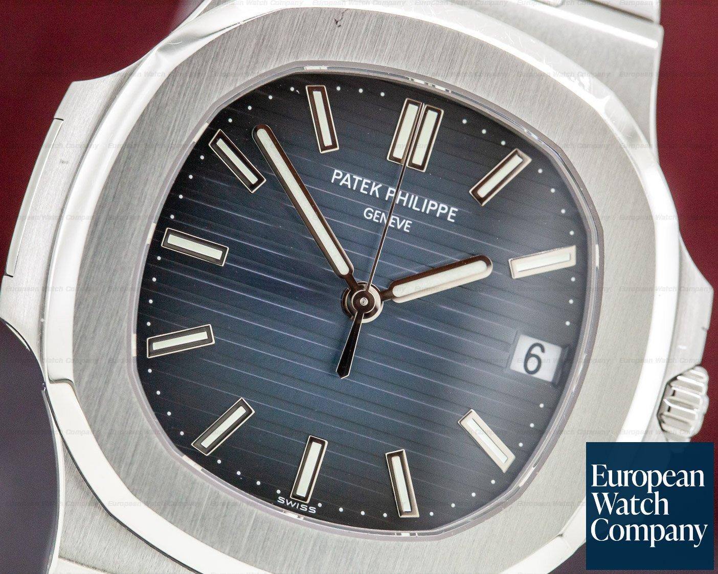 Patek Philippe 5711/1A-010 Jumbo Nautilus Blue Dial SS