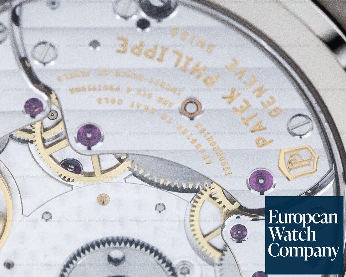 Patek Philippe 5740/1G-001 Nautilus 5740 Perpetual Calendar 18k White Gold Blue Dial UNWORN
