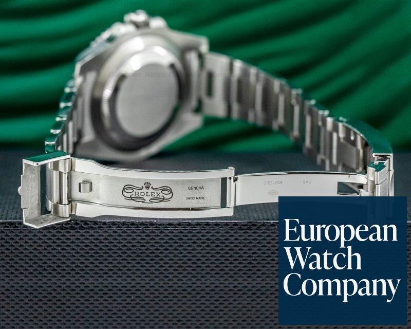 """Rolex 116610LV Submariner """"Hulk"""" Green Ceramic Bezel Green Dial SS"""