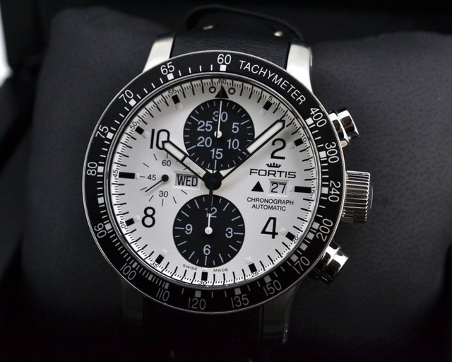 Fortis Stratoliner Chronograph SS White Dial / Black Leather