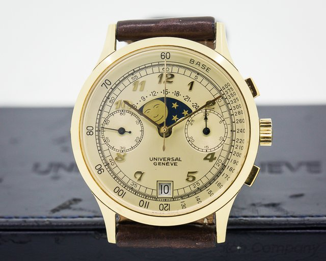 Universal Geneve Vintage Moonphase Chronograph 18K Yellow Gold 36MM