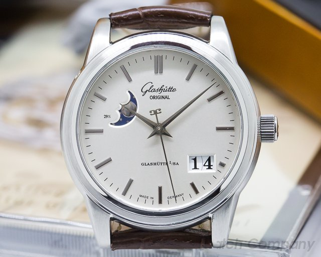 Glashutte Original Senator Moon Steel