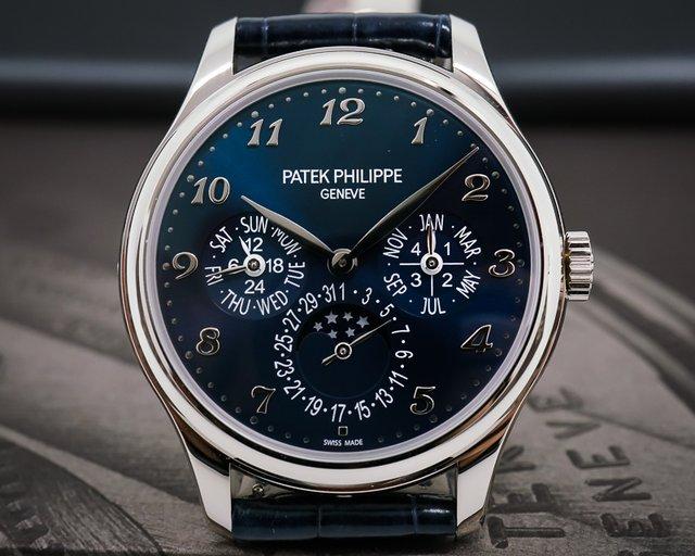 Patek Philippe Perpetual Calendar 5327G 18K White Gold UNWORN