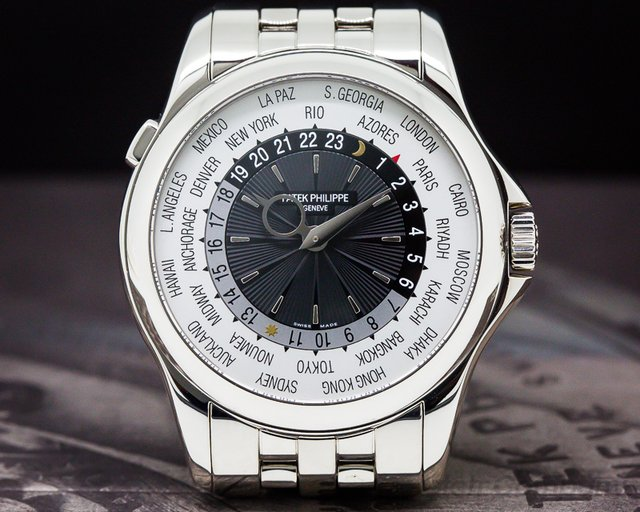 Patek Philippe World Time 18K White Gold / 18K White Gold Bracelet