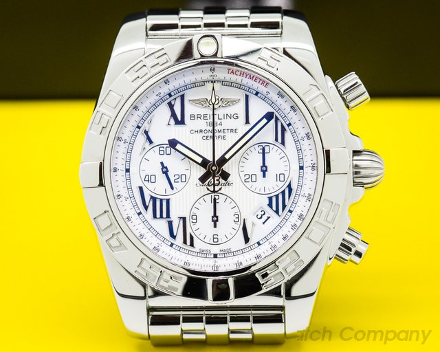 Breitling AB011012/A690 Chronomat 44 B01 White Dial SS / SS