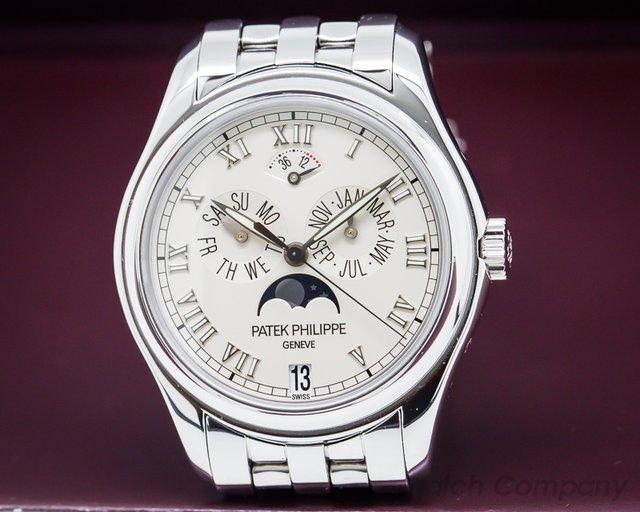 Patek Philippe Annual Calendar Power Reserve Mon 18K White Gold / Bracelet