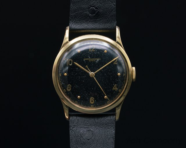 Vacheron Constantin - Vintage Manual Wind 18k Yellow Gold Calatrava Circa 1940's