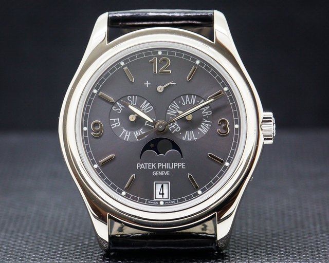 Patek Philippe 5146G-010 Annual Calendar Grey Dial White Gold