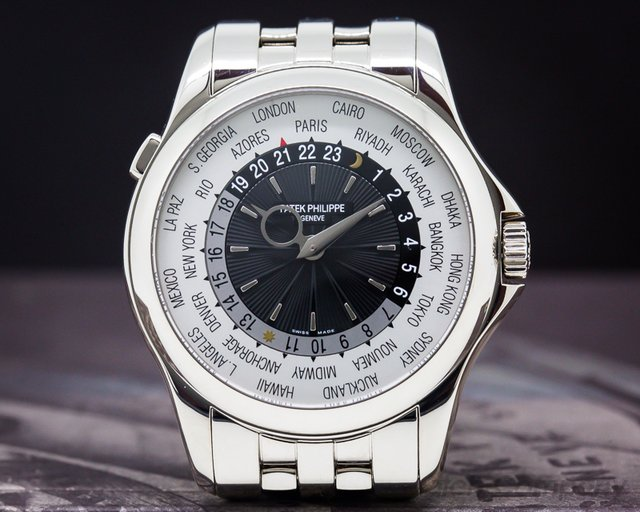 Patek Philippe 5130/1G-011 World Time 18K White Gold / 18K White Gold Bracelet