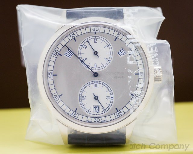 Patek Philippe 5235G Annual Calendar Regulator 18K White Gold SEALED
