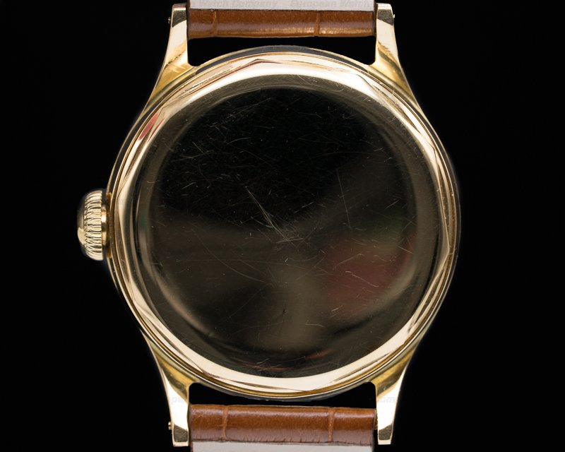 Patek Philippe 565 565 Yellow Gold / Center Seconds MINT