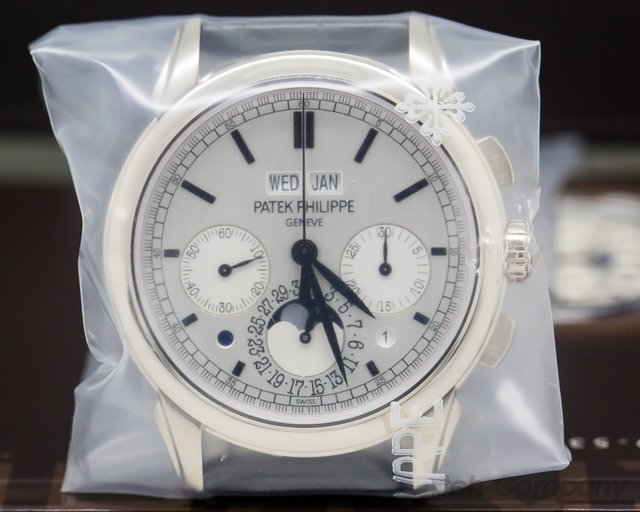 Patek Philippe 5270G-001 Perpetual Calendar Chronograph 18K White Gold SEALED