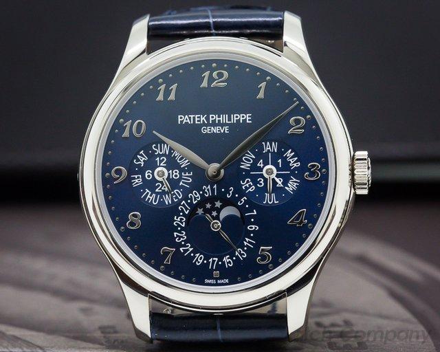 Patek Philippe 5327G-001 Perpetual Calendar 5327G 18K White Gold / Blue Dial