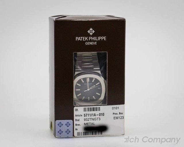 Patek Philippe 5711/1A-010 Jumbo Nautilus Blue Dial SS DOUBLE SEALED