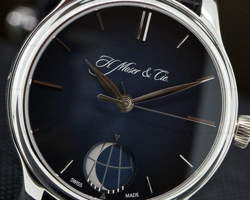 H. Moser & Cie 348-901 Endeavour Perpetual Moon Platinum Blue Dial