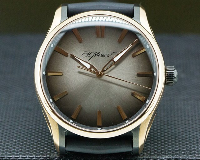 H. Moser & Cie 3200-0902 Pioneer Centre Seconds SS Black Fume Dial