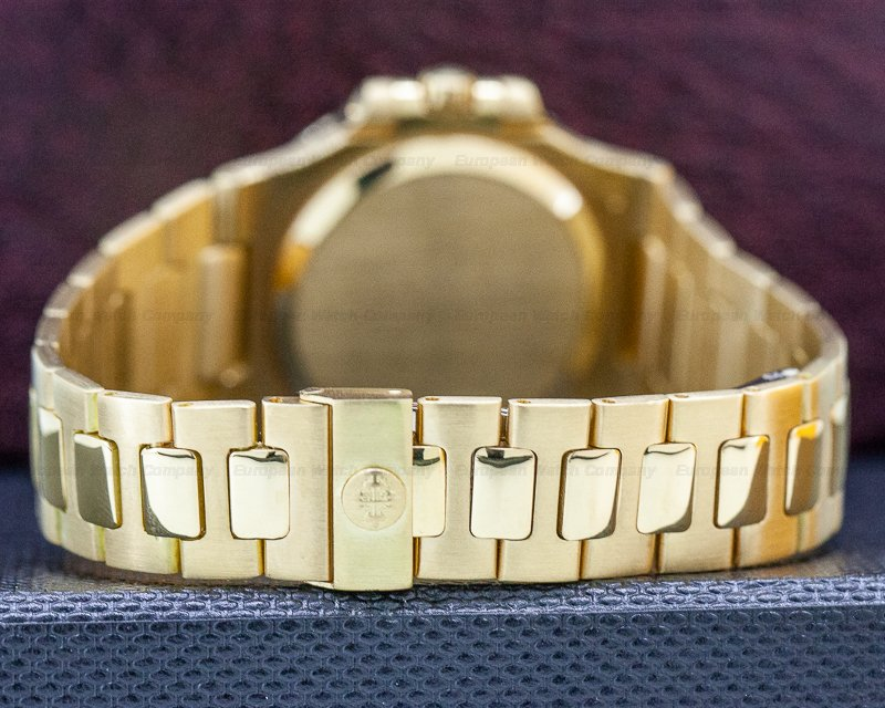 Patek Philippe 3800/001 Nautilus Mid Size 18K Yellow Gold FULL SET WOW