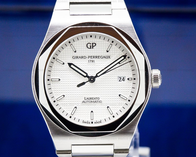 Girard Perregaux 81000-11-131-11A Laureato Heritage SS White Dial