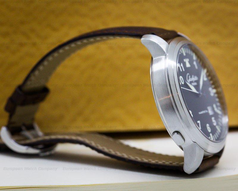 Glashutte Original 100-03-07-05-04 Senator Navigator Panorama Date SS Black Dial