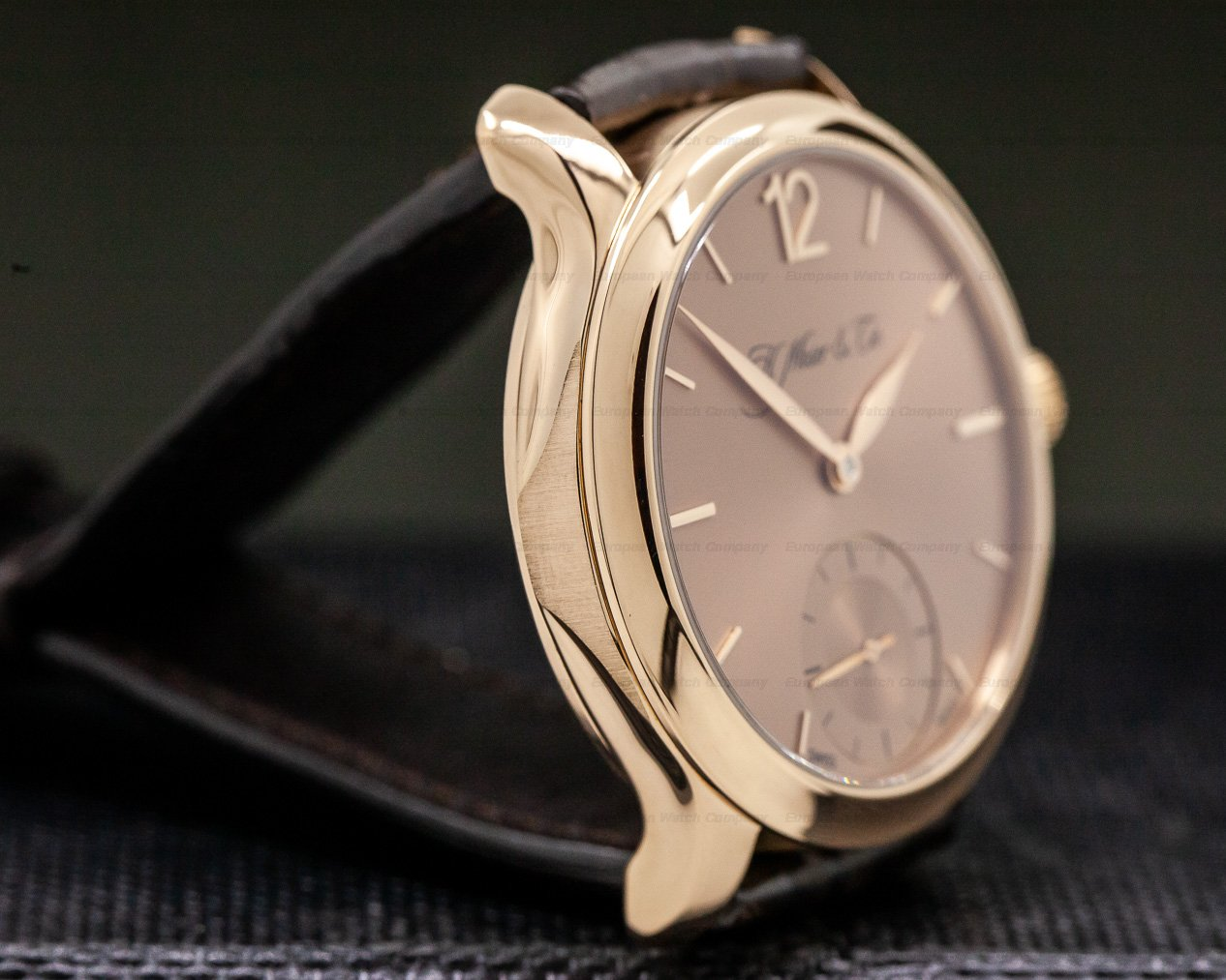H. Moser & Cie 321.503 Endeavour MAYU 18K Rose Gold Salmon Dial