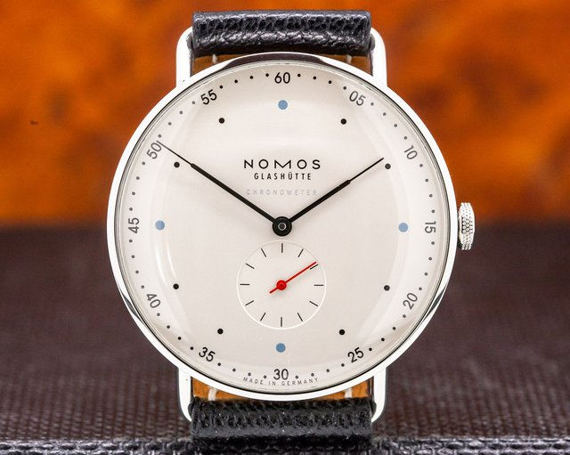 "Nomos 1109.565/100 Metro 38.5 ""Hodinkee Limited Edition"" Chronometer"