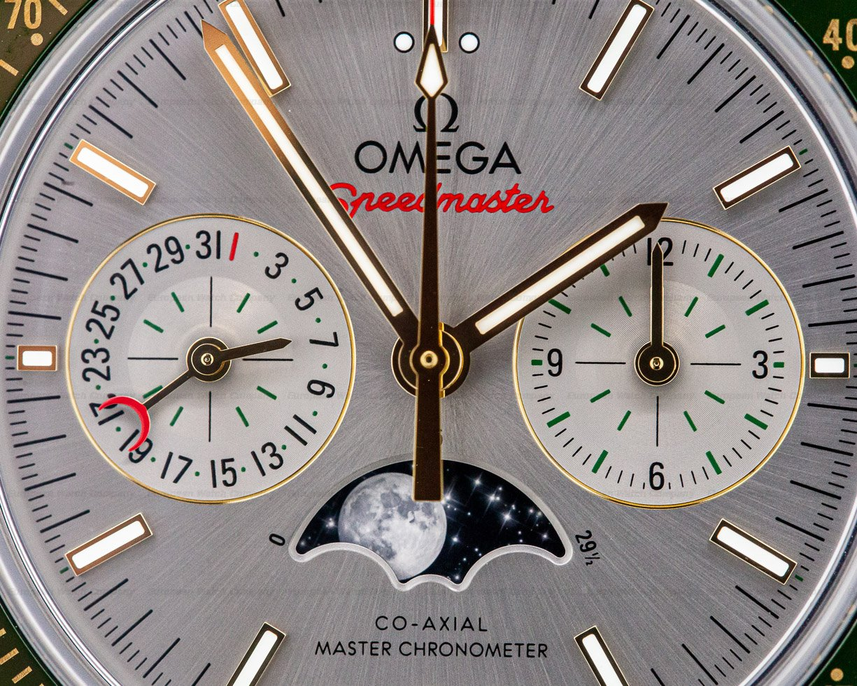 Omega 304.23.44.52.06.001 Speedmaster Co-Axial Master chronometer Moonphase Chronograph 18K / SS