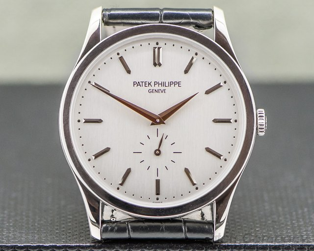 Patek Philippe 5196G-001 Calatrava 18K White Gold Manual Wind