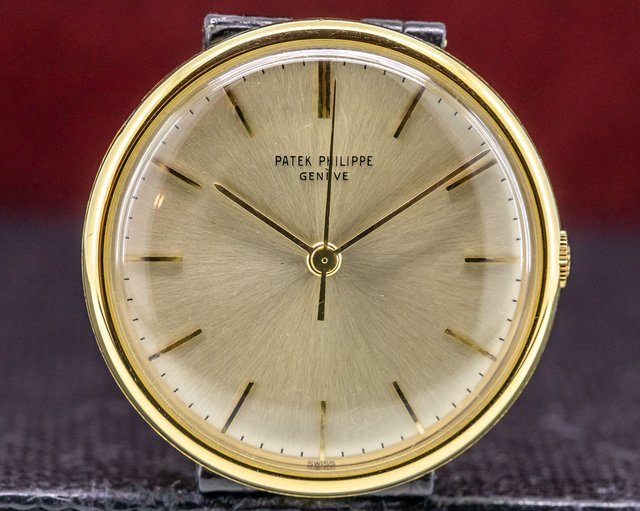 "Patek Philippe 3495 Vintage Calatrava Manual Wind ""Disco Volante"" 18K Yellow"