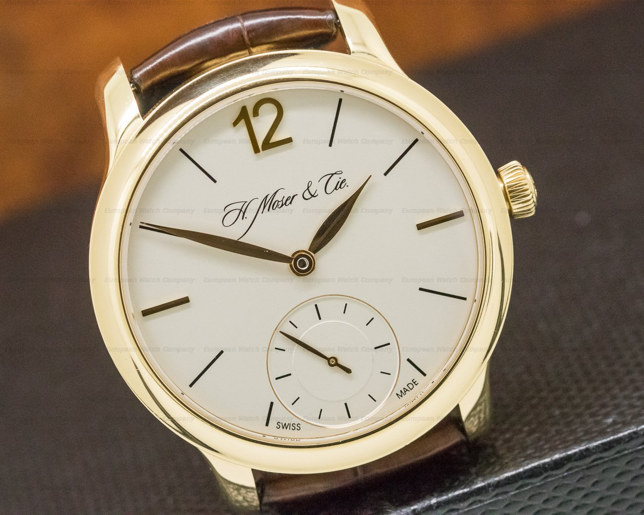 H. Moser & Cie 321.503 Endeavour MAYU 18K Yellow Gold