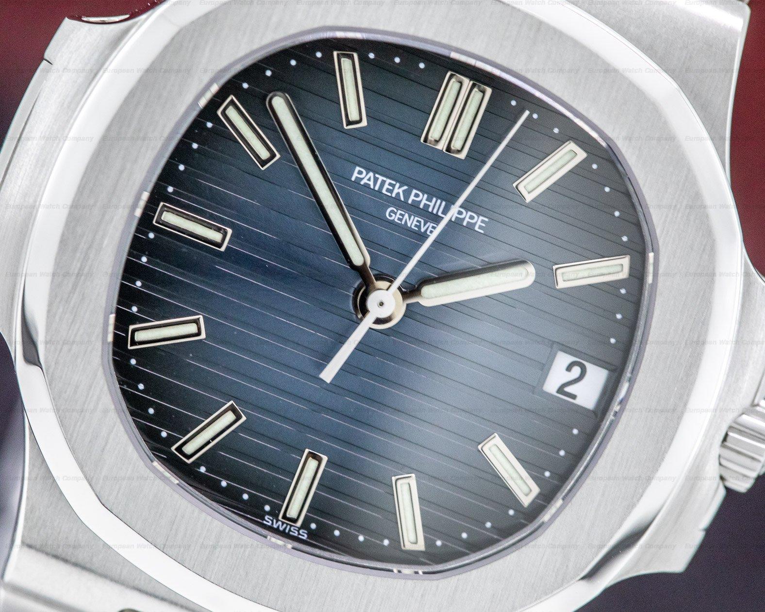 Patek Philippe 5800/1A-001 Nautilus Mid Size / Display Back 5800 RARE