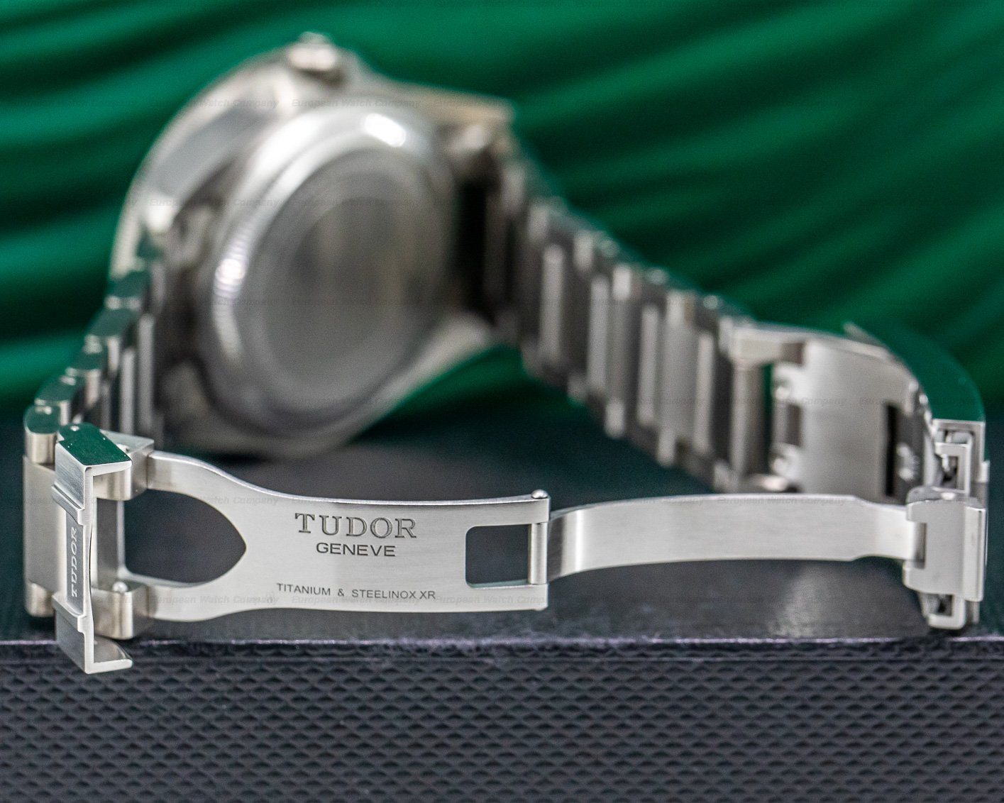 Tudor 25600TN Pelagos Black Dial Titanium / Bracelet