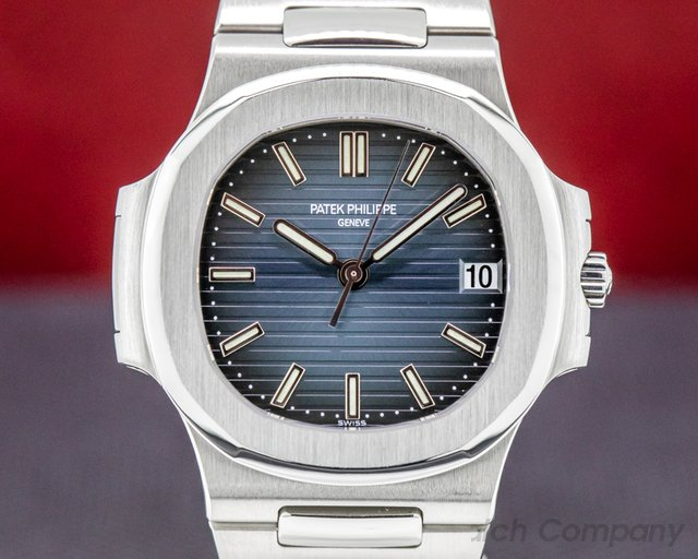 Patek Philippe 5800/1A-001 Nautilus Mid Size / Display Back 5800 RARE FULL SET