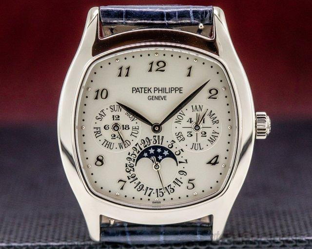 Patek Philippe 5940G-001 Perpetual Calendar 18K White Gold Cushion Case FULL SET