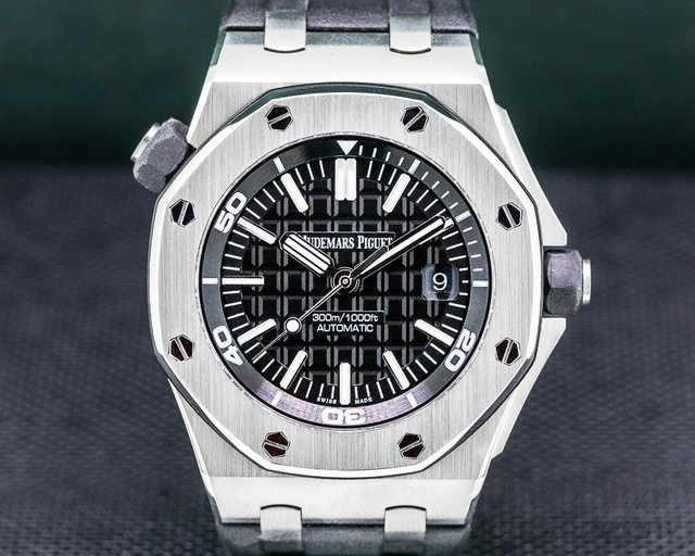 Audemars Piguet 15710ST.00.A002CA.01 Royal Oak Offshore Diver Black / Rubber