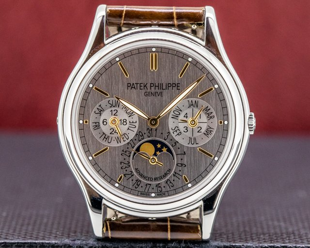 Patek Philippe 5550P-001 Advanced Research 5550P Perpetual Calendar FULL SET