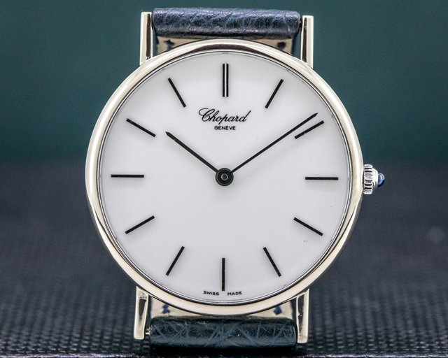 Chopard 163154-1001 Classique 18K White Gold / White Dial 33.5MM