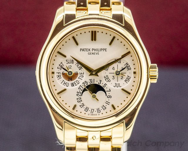 Patek Philippe 5136/1J-001 Perpetual Calendar / 18K Yellow Gold Bracelet FULL SET PATINA