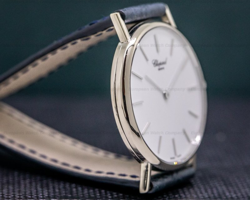 Chopard 163154-1001 Classique 18K White Gold / White Dial 33.5MM