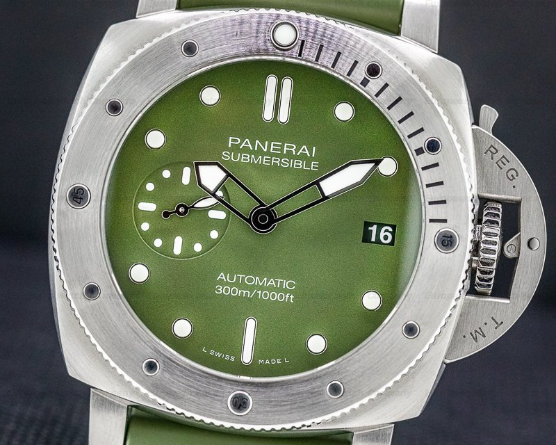 Panerai PAM01055 Submersible Verde Militare Stainless Steel 42MM LIMITED