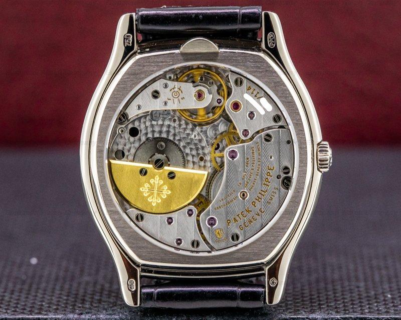 Patek Philippe 5040G-016 Perpetual Calendar 5040G Tonneau 18k WG / Black Dial