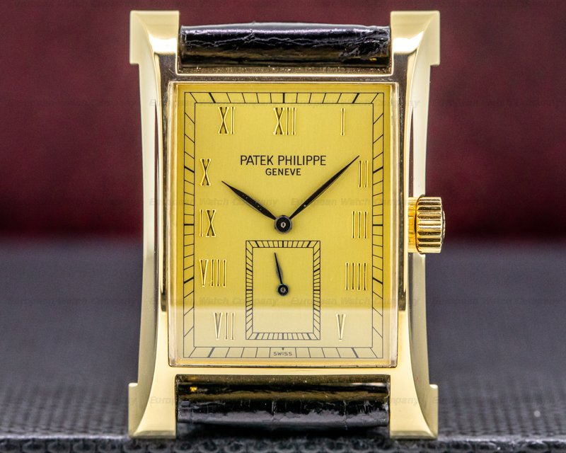 Patek Philippe 5500J Pagoda 5500 18K Yellow Gold / Gold Dial